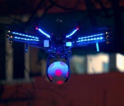 Le Drone devient arbitre de foot chez Pepsi